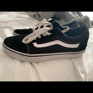 vans black & white old skool shoes!